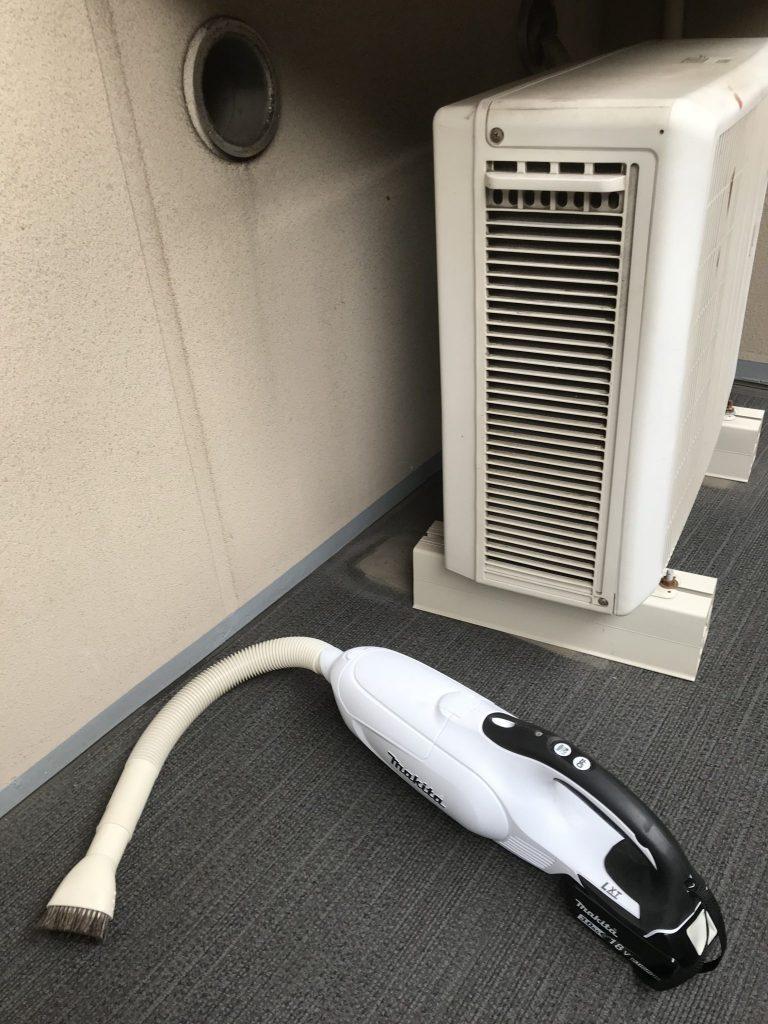 マキタの充電式クリーナーCL182FDRFW